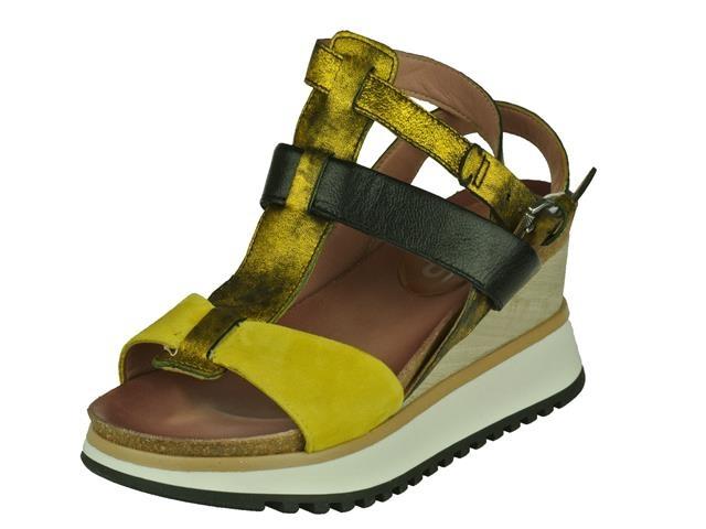 Mjus Mjus trendy op schoen op een dikke slee zool