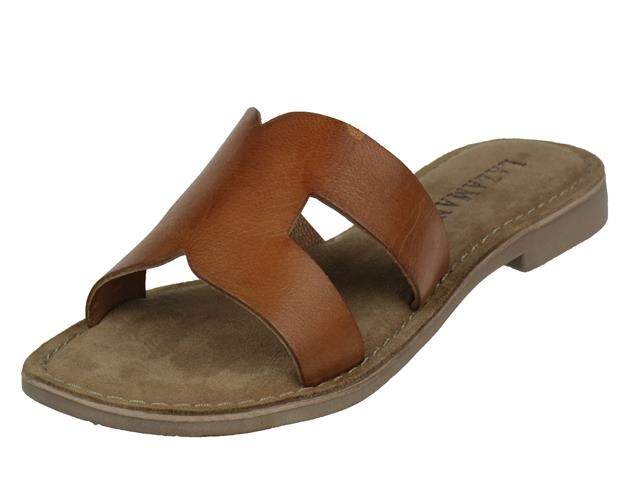 De damesschoen lazamani ladies mules slippers in de kleur tan,cognac lazamani trendy dames slipper. art nr : ...